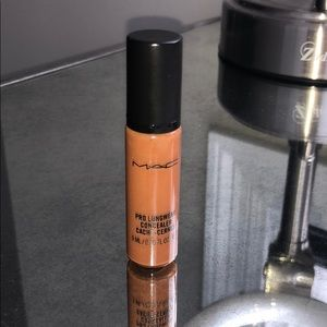 Used Once MAC Pro Longwear Concealer Shade NW45.